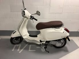 Brand new Piaggio Vespa Primavera 50 2T in white (never driven on road)