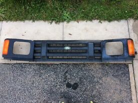 Land Rover Discovery 200tdi front grill
