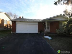 $475,000 - Bungalow for sale in Waterloo