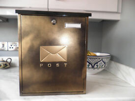 "sterling post box : MB04BK H450mm (18"") W328mm(162) D150mm(6"")"
