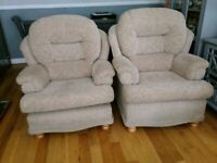 Settee and 2chairs
