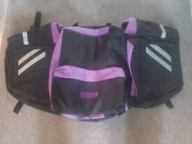 BICYCLE PANNIER BAG REAR BIKE RACK YOU TAKE BAG OF THE TOP & USED IT HAS A BACKPACK