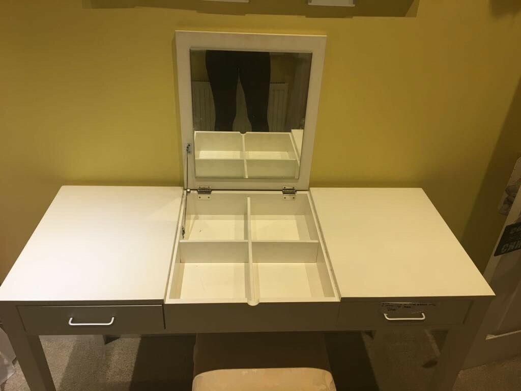 Vanity Unit Dressing Table With Pop Up Mirror Draws And