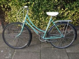 Raleigh ladies 3 gear bicycle recently serviced