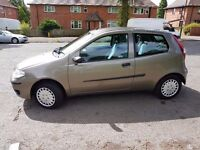 2006 fiat punto it's in good condition very clean