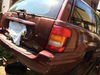 Breaking 2000 Jeep Grand Cherokee v8