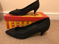 Jeffrey Campbell shoes in size 5