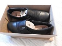 Ladies Clarkes Black Leather Shoes with wedge heel, size 6 wide