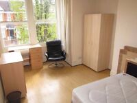 QUIET SINGLE ROOM WITH DOUBLE BED TO RENT IN BOUNDS GREEN (PICCADILLY LINE) - ZONE 3