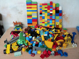 Large Lego Pieces, Joblot, Zoo animals and CAT Contruction, MIXED 4kg used.