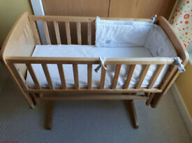 Mothercare Glider Crib/ Cradle with accessories (£25)