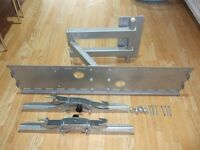 Very Heavy duty adjustable TV wall mounting bracket up to 80Kgs with instructions