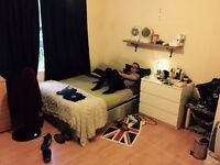 Double/Twin near canningtown Station - ALL BILLS INCLUDED