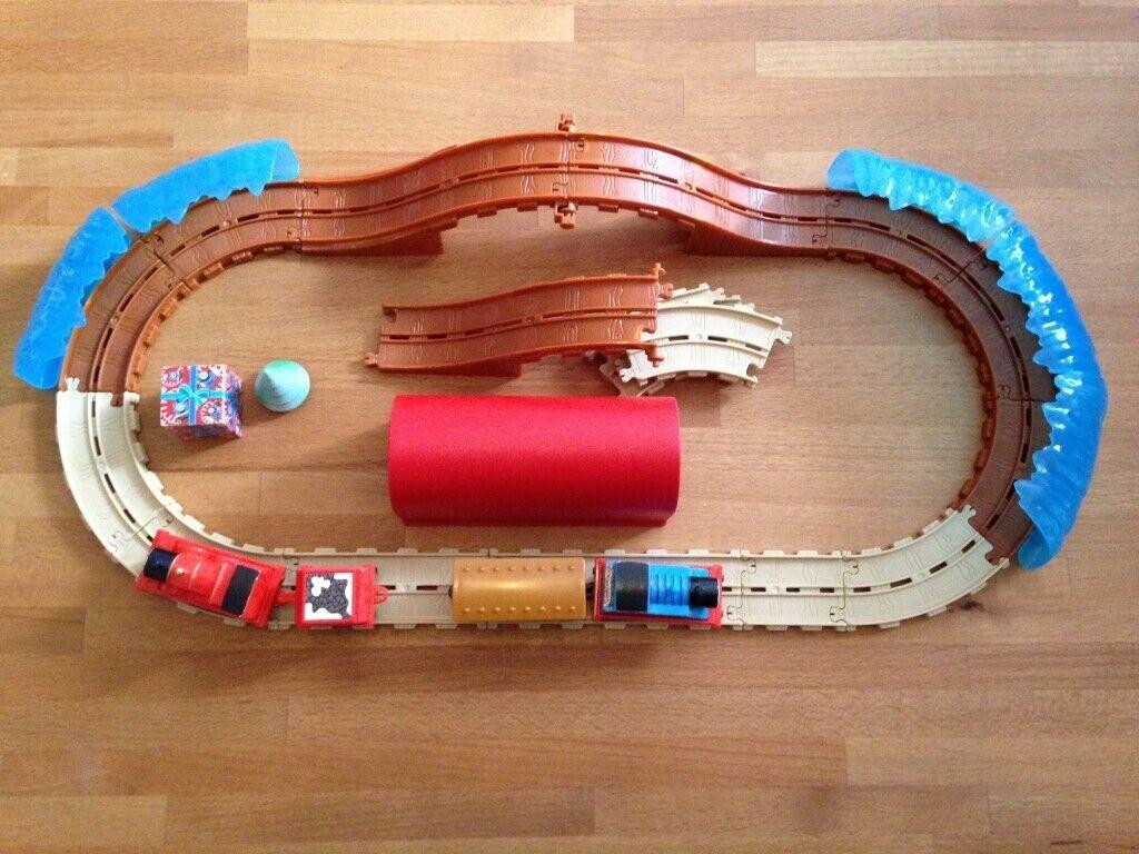 Thomas Christmas Train Set.Thomas Friends 24 Piece Winter Christmas Train Set In
