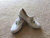 Children's white tap dance shoes size 13