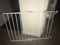 Lindam Extending Metal Stair Gate (x2 available)