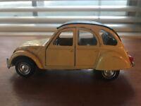 Citroen 2cv Model Car