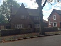 Fantastic 4 bed detached house, Family home fully refurbished,
