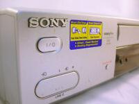 SONY SLV-SE810 VCR & Remote VGC (WH_2147)