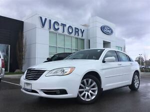 2012 Chrysler 200 Touring, Navigation, Touch Screen