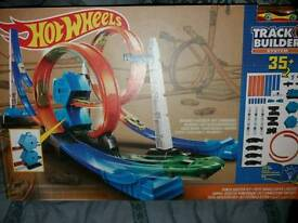 New hot wheels track builder system
