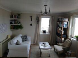 2 Bedroom Flat in Portobello