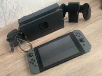 *LIKE NEW* Nintendo Switch Grey