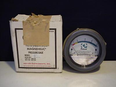 Dwyer Magnehelic Indicating Transmitter Low Pressure Gage Gauge 194871 - 00