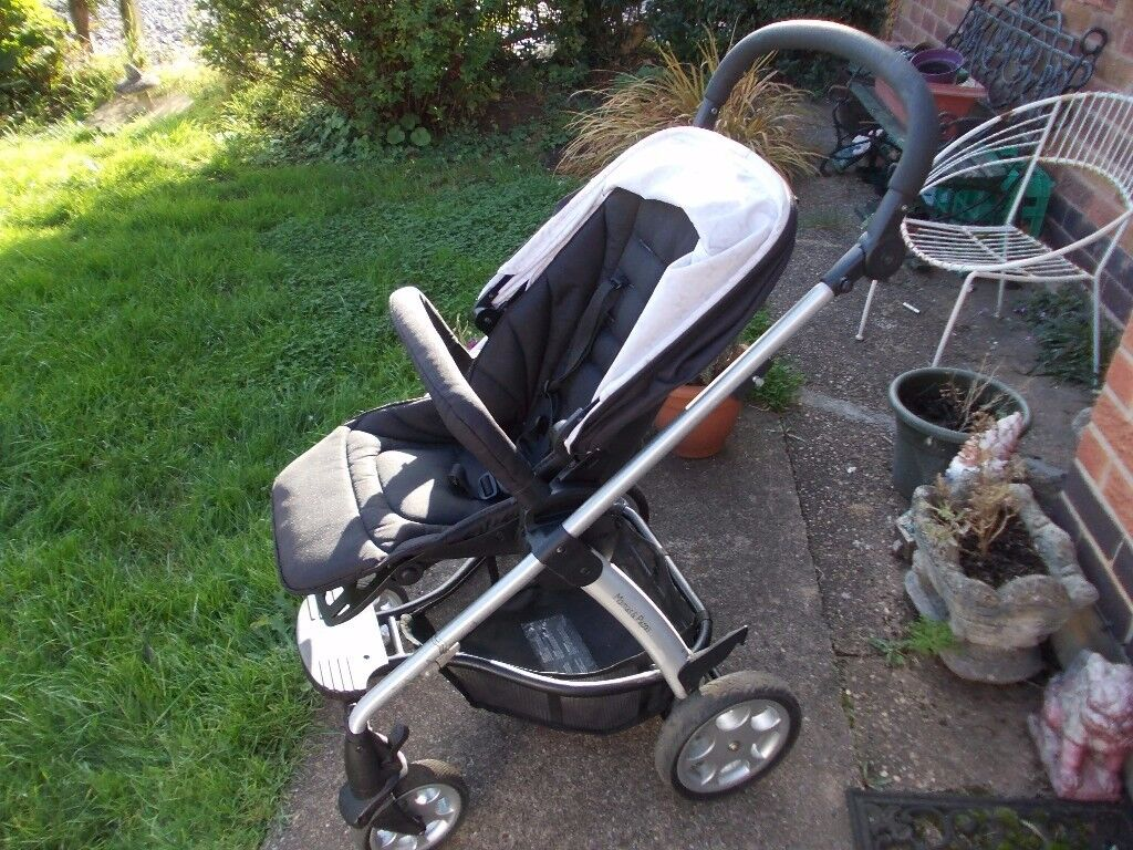 Pushchair mamas and papas sola 2 with raincover