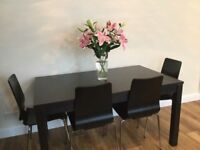DINING BLACK EXTENDABLE TABLE & 6 CHAIRS