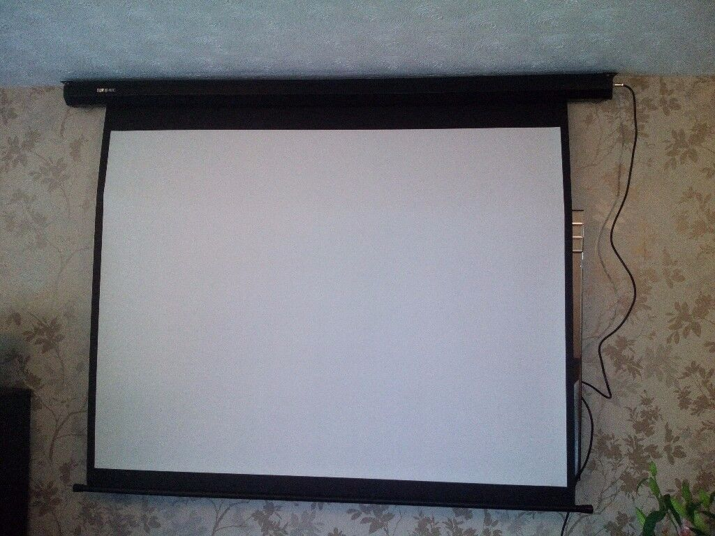 Home Projector Screen (142cm(w) X 107cm(h))4:3 Electric Motorised control