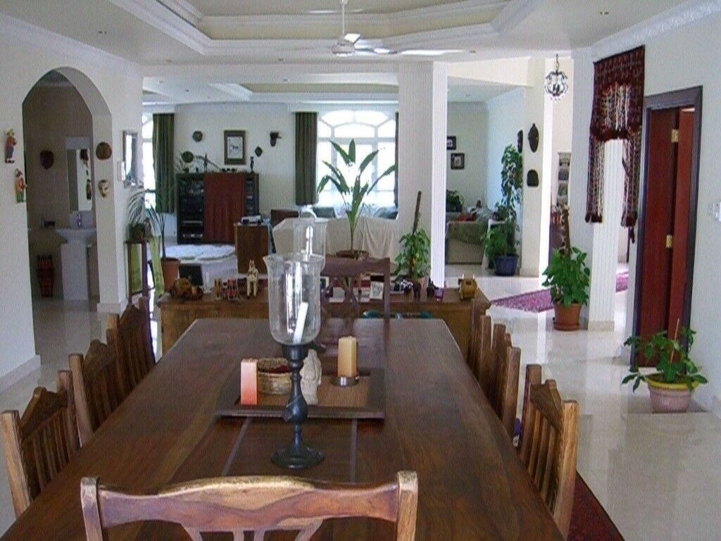 Extremely High Quality Large Solid Wooden Carved Dining Table With 8 Chairs