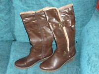 LADIES NATRELLE BROWN JUST UNDER THE KNEE BOOTS SIZE 7 WITH ZIP
