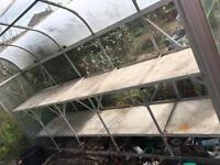 Aluminium greenhouse with aluminium table