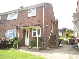1 bed 1s floor marionette to let. Private landlord so no costly agents fees to pay