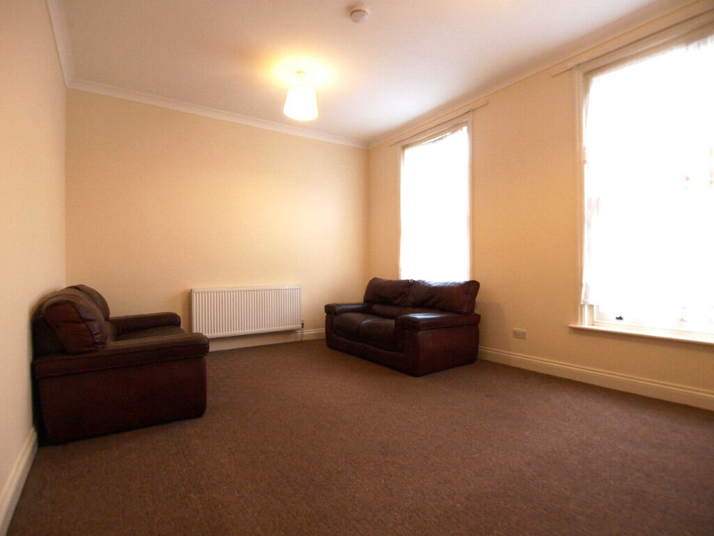 Large 2 double bedroom flat in the heart of Camden close to CamdenTown tube & MorningtonCrescent