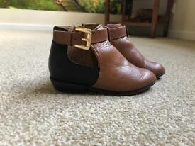 Girls size 6 river island boots