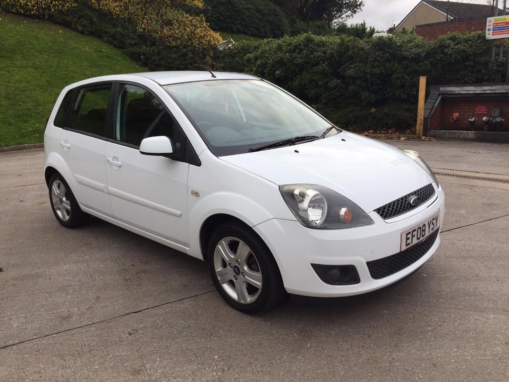ford fiesta zetec climate tdci 1 4 diesel 5 door white 2008 year in bradford west. Black Bedroom Furniture Sets. Home Design Ideas