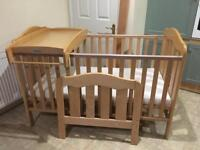 Mamas and Papas Eloise Cotbed with baby changer top