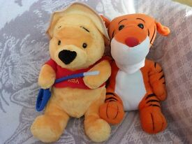 New Collectable Winnie the Pooh and Tigger. Lovely gift for someone special or treat yourself.