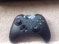 Xbox One - 500GB with Fully Working Controller