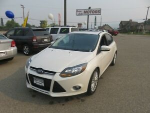 2014 Ford Focus Titanium-Heated leather power seats