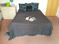 106 Austhorpe Road Room 2-SUPERB SPACIOUS STUDIO-SOME BILLS INCLUDED-FREE PRIVATE PARKING-£79.95!!