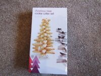 Christmas tree biscuit cutters - make a tree - new