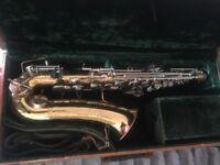 Beuscher saxophone and case