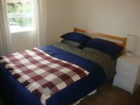 Double bedroom in Portobello - available now until 29th August.