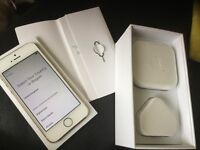 Apple iPhone 5s 32gb gold on 3 network