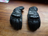 Motorcycle gloves (leather) size medium -ladies