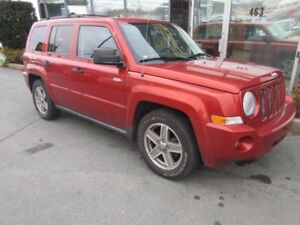 2008 Jeep Patriot 4WD SUV WITH ALLOYS & ONLY 142K
