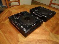 Pioneer CDJ 850 K Pair. Excellent Condition. Original Boxes.